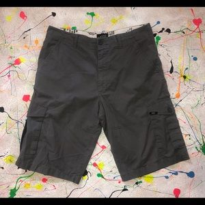 Vans Cargo Shorts Size 34 (Gray)